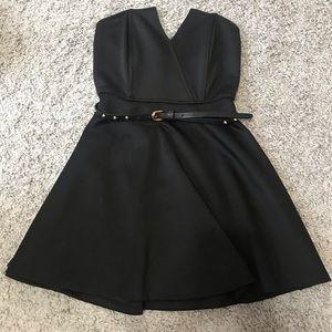 Strapless dress w/ belt